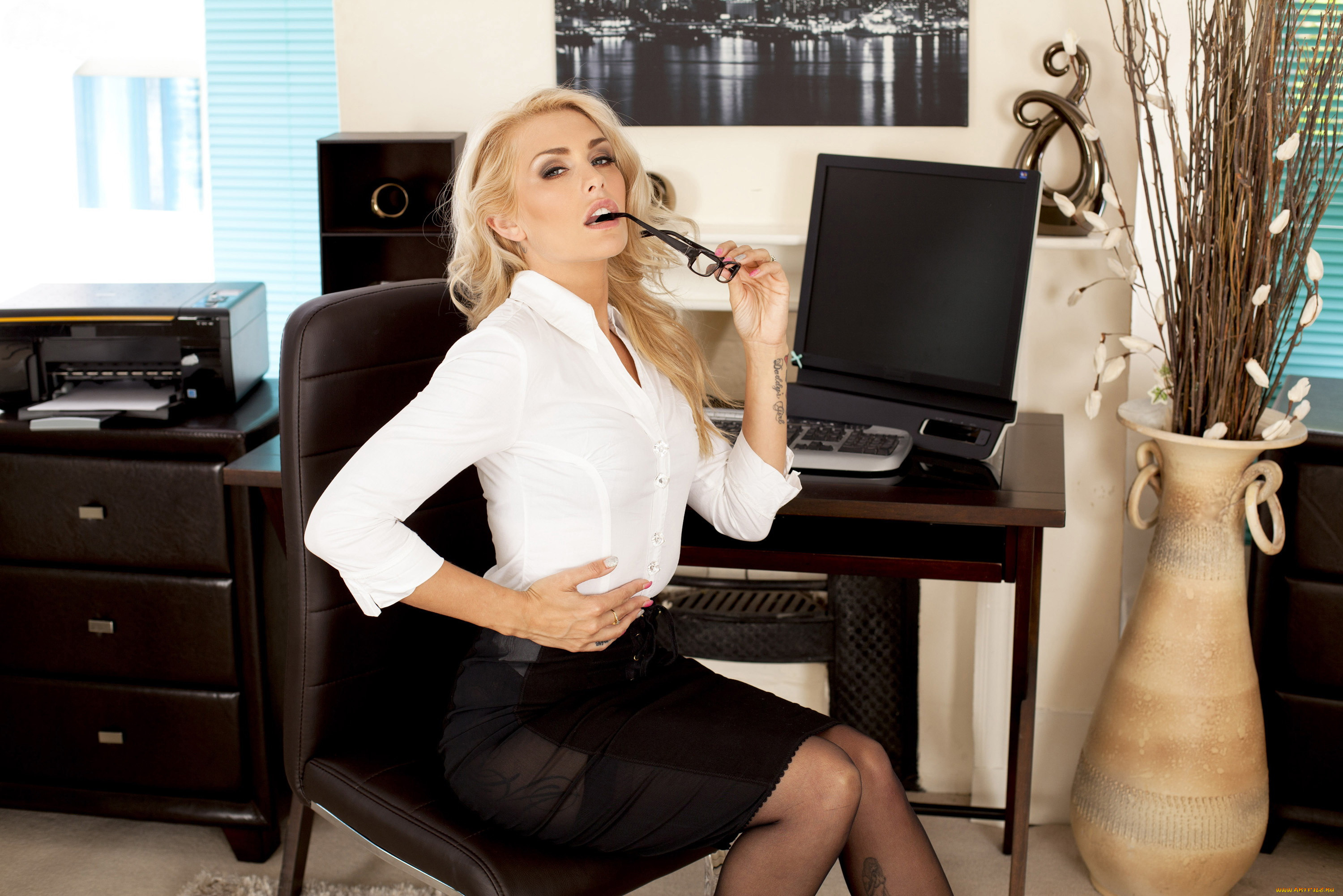 Secretary blonde girls do